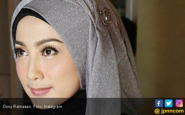Desy Ratnasari Ngefans Banget Sama Pemain Persib Ini - JPNN.COM