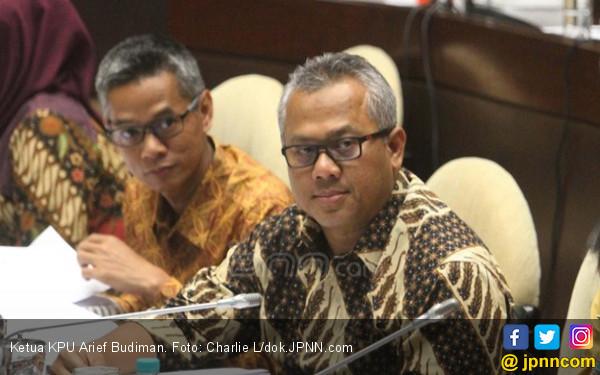 Jokowi Bagi-Bagi Sepeda, Begini Respons Ketua KPU - JPNN.com
