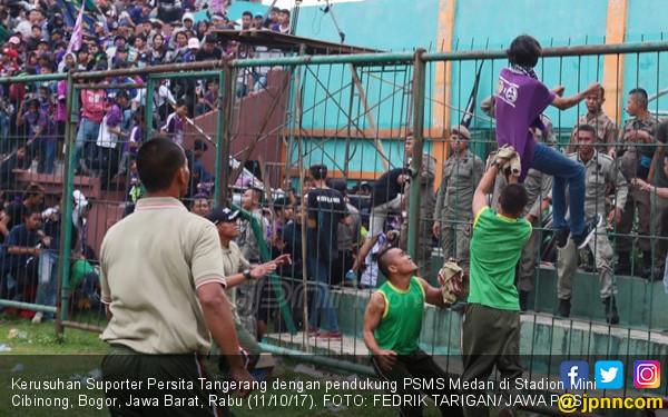 Rusuh, Suporter Persita Tewas - JPNN.COM