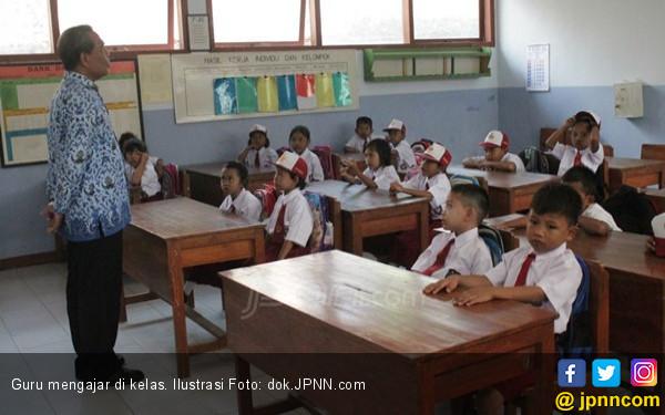 Pak Menteri: Sudah Harus Dihentikan Pengangkatan Guru Honorer - JPNN.com