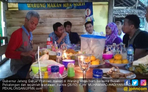 Ssstt, Mas Ganjar Pranowo Makan Siang di Warung Mbak Narti - JPNN.COM