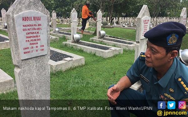 Siapa Nakhoda Kapal Tampomas II yang Dinyanyikan Iwan Fals? - JPNN.COM