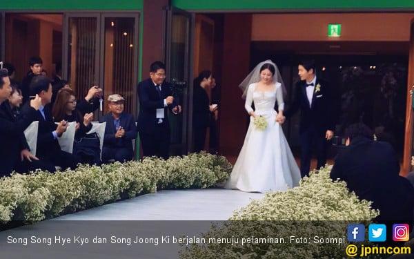 Pernikahan SongSong Couple Sukses Bikin Baper - JPNN.com