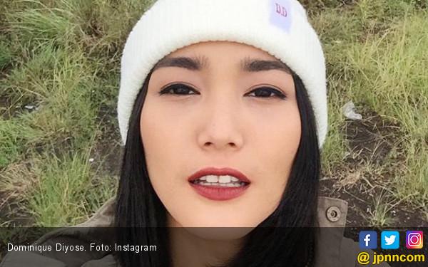 Dominique Diyose Rawat Rambut dengan Sari Jeruk Nipis - JPNN.COM