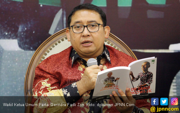 Komentar Fadli Zon untuk Kebijakan Pemerintah Turunkan Harga BBM - JPNN.COM
