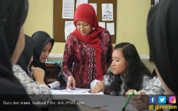 Tingkatkan Kompetensi, Guru Harus Aktif di Komunitas - JPNN.COM