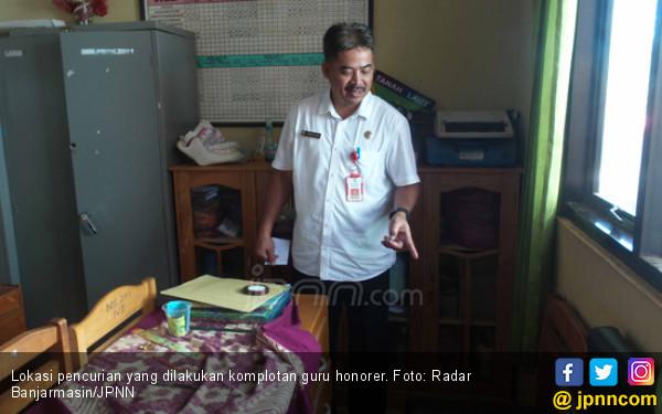 Guru Honorer Gabung Komplotan Pencuri di Sekolah - JPNN.COM