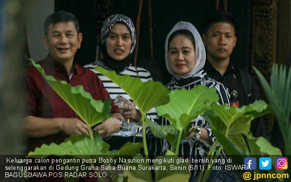 Keluarga Jokowi Ingin Adat Keratonan, Tenda Sudah Dipasang - JPNN.COM