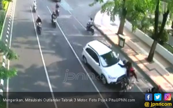 Mitsubishi Outlander Maut Tabrak 3 Motor - JPNN.com