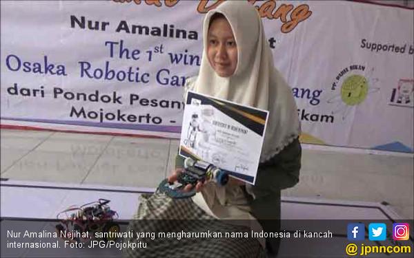 Biki Bangga, Santriwati Ini Juarai Lomba Robotika di Jepang - JPNN.COM