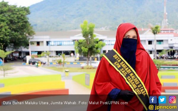 Jumiati, Gadis Bercadar yang Jadi Duta Bahari - JPNN.COM