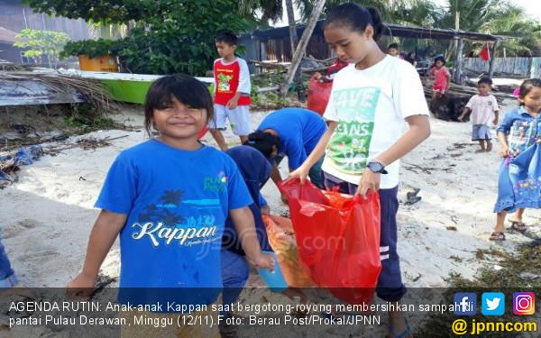 Komunitas Kappan Bersihkan Pantai Derawan Tiap Pekan - JPNN.COM