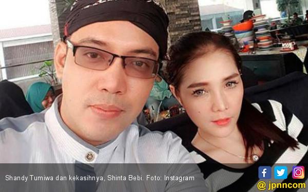 Pacar Masuk Katalog Alexis, Sandy Tumiwa Undur Pernikahan - JPNN.COM