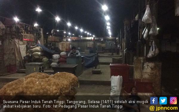 Harga Sewa Naik, Pedagang Pasar Induk Mogok Jualan - JPNN.COM