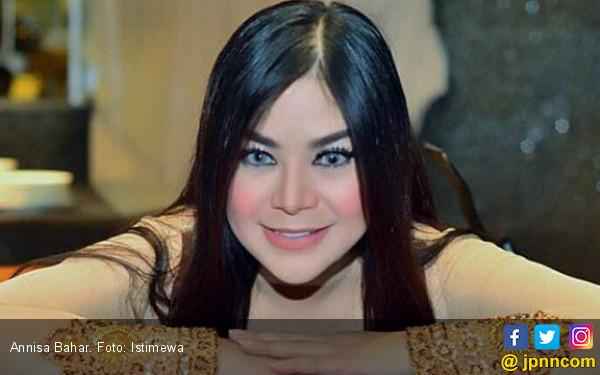 Sandy Dianggap Jadi Penyebab Sahabat Annisa Bahar Meninggal - JPNN.COM