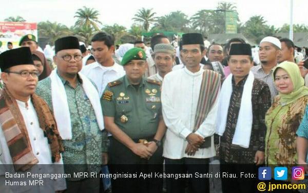 2.000 Santri di Riau Ikuti Apel Kebangsaan Empat Pilar MPR - JPNN.COM