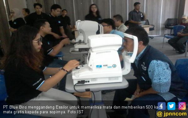 Gandeng Essilor,Blue Bird Gelar Pemeriksaan Mata Untuk Sopir - JPNN.com