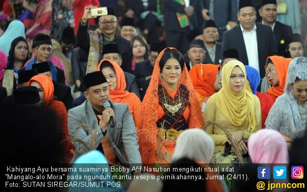 Seperti Inilah Pesta Adat Pernikahan Bobby-Kahiyang Ayu - JPNN.COM