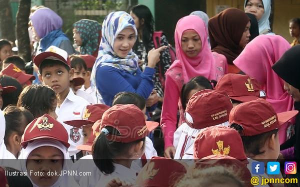 Guru Honorer, Pahlawan Tanpa Tanda Sejahtera - JPNN.COM