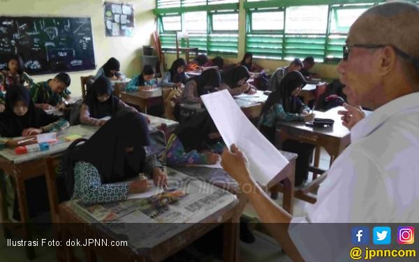 Mayoritas Honorer, Guru PNS Hanya 40 Persen - JPNN.COM
