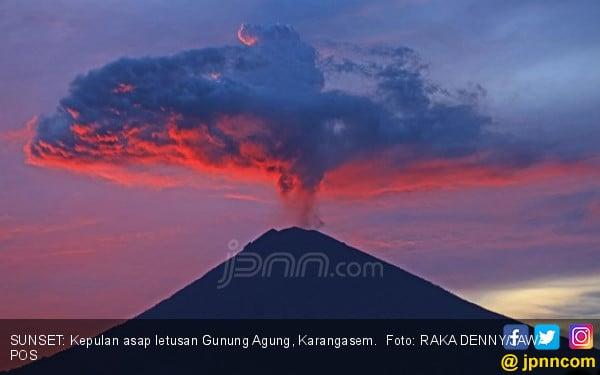 Gunung Agung Aneh, Misterius - JPNN.COM