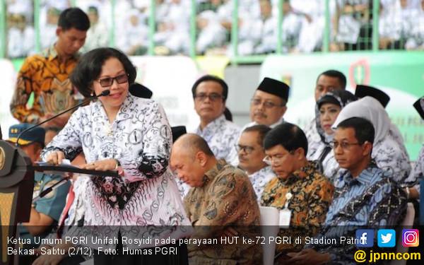 Jokowi Bikin Puluhan Ribu Guru Happy, Semoga Panjang Umur - JPNN.COM