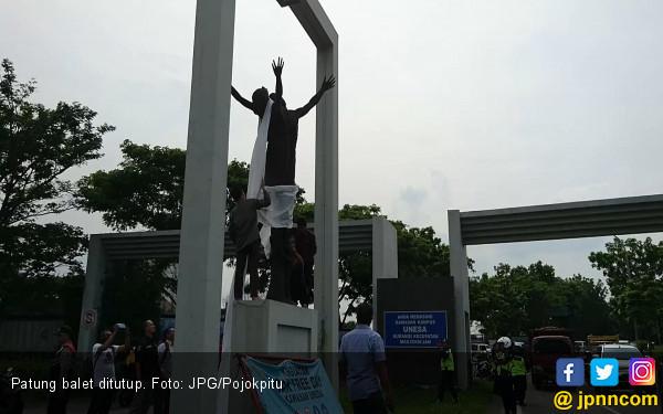 Dianggap Tak Sopan, Patung Balet di Surabaya Ditutupi Kain - JPNN.COM