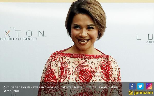 Ruth Sahanaya: Di Jakarta Enggak Ada Duitnya  - JPNN.com