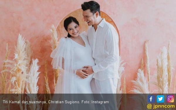 Ini Arti Nama Anak Kedua Titi Kamal dan Christian Sugiono - JPNN.COM
