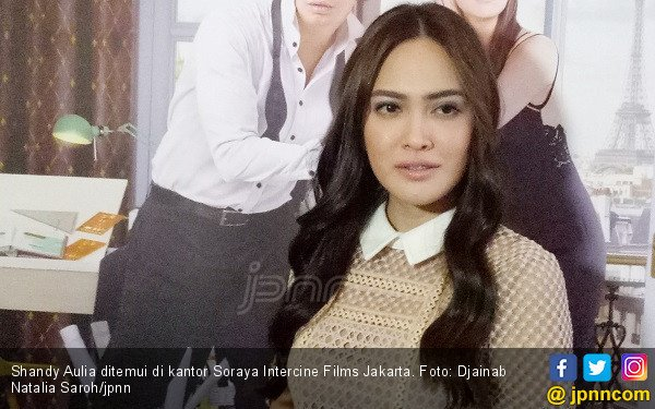 Shandy Aulia Bangkitkan Mood dengan Teh Melati - JPNN.COM