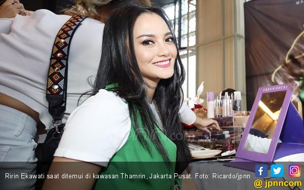 Status Janda Disoal, Ririn Ekawati Jawab Begini - JPNN.com