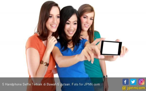 5 Handphone Selfie Terbaik di Bawah 5 Jutaan - JPNN.COM