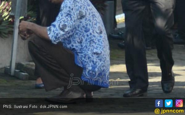 Pejabat di Dinas Pendidikan Komentar Nyinyir Kasus Wiranto Ditusuk - JPNN.com