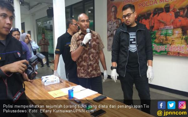 Tio Pakusadewo Beli 4 Paket Sabu-Sabu Untuk Dipakai Sendiri - JPNN.com