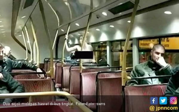 Bercinta Di Bus Tingkat 2 Sejoli Dapat Tepuk Tangan Meriah