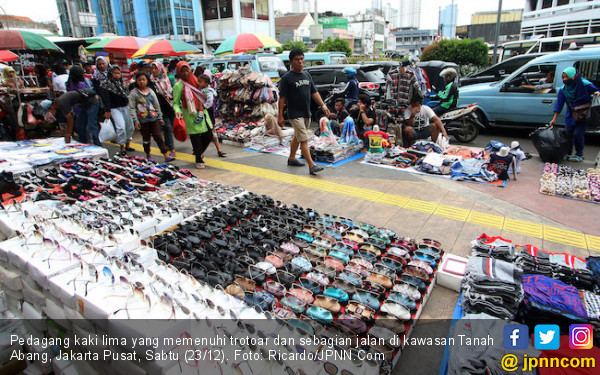 Anak Buah Anies Bakal Gusur PKL di Trotoar Jalan Senen Raya - JPNN.com