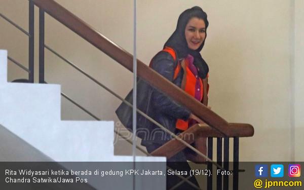 Mbak Rita Bakal Lebih Lama di Tahanan KPK - JPNN.com