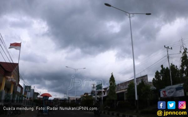 Cuaca Buruk, Sejumlah Kapal Gagal Berangkat - JPNN.COM