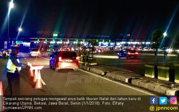 Sudah Ratusan Ribu Kendaraan Tinggalkan Jakarta Jelang Tahun Baru 2021 - JPNN.com