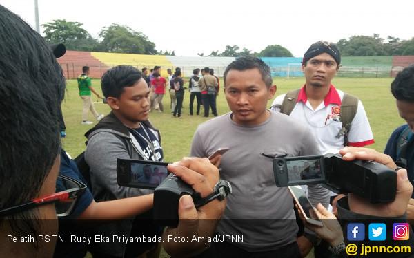 Selain Rudy Eka, Nama-nama Ini Sempat Dinominasikan Jadi Pelatih Timnas Perempuan - JPNN.com