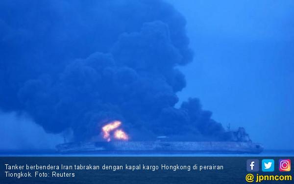 Tanker Iran Tabrak Kapal Hong Kong, Puluhan ABK Hilang - JPNN.com