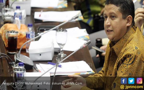 Bolos Hingga 7 Bulan, Komisioner KPU Sorong Dipecat - JPNN.COM