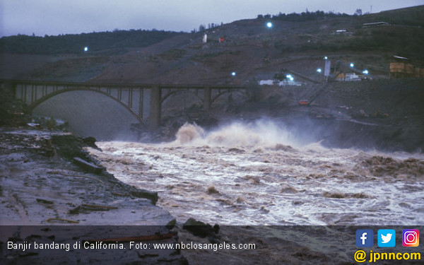 Warga Hilang Tersapu Banjir di California - JPNN.COM