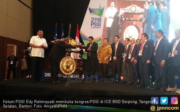 Teriakan Hidup Gubernur Bikin Kongres PSSI Mendadak Gaduh - JPNN.COM