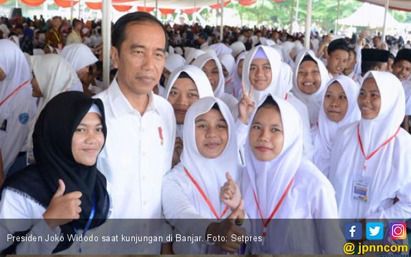 Pak Jokowi Janji Naikkan Dana Bantuan PKH pada 2019 - JPNN.com