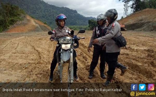 Bripda Indah, Polwan Cantik Penjaga Perbatasan RI-Malaysia - JPNN.COM