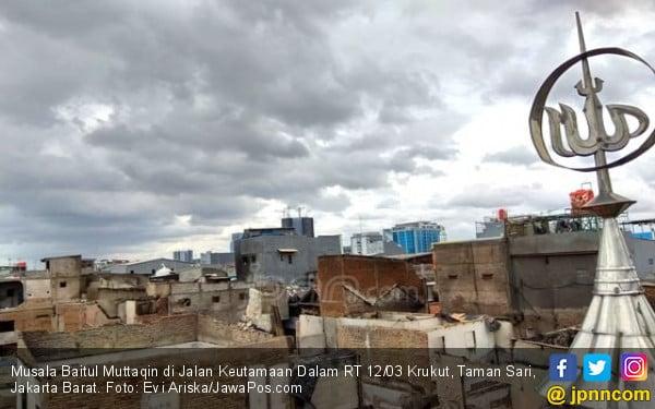 Musala Baitul Muttaqin, Potret Keajaiban di Tengah Kebakaran - JPNN.COM