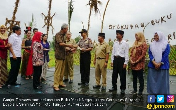 Keluarga Ganjar Pranowo Jualan Bensin untuk Bayar Utang - JPNN.COM
