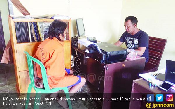 Pedih, Bunga 460 Kali Digituin Ayah Tiri - JPNN.COM