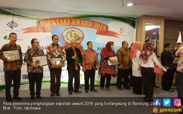 Aspataki Award Ganjar Penghargaan untuk 11 Wakil Pemerintah - JPNN.COM